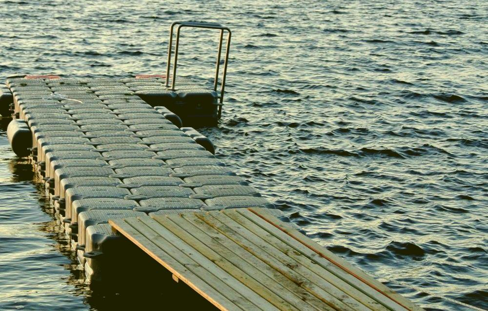 L Shape Dock with full accesories